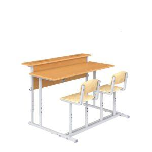 Парта ученическая с наклоном крышки и полкой со стульями